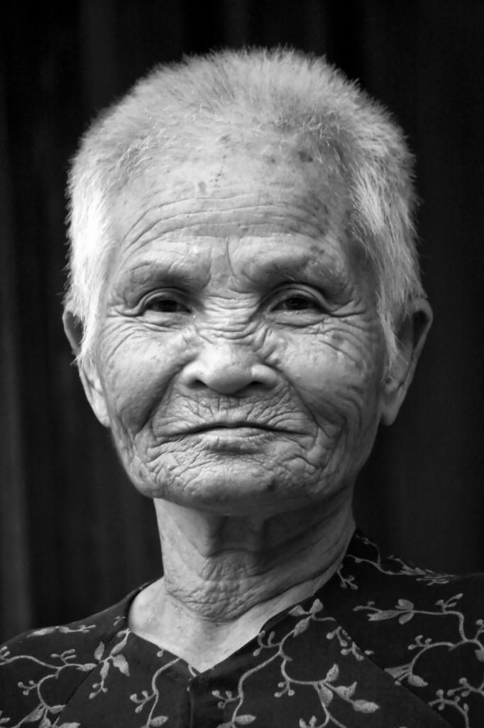 Vietnam 07 105 darker bw_pp
