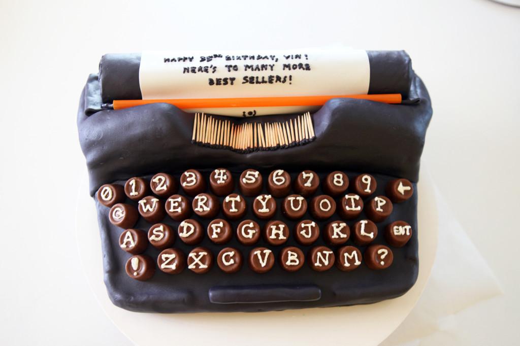 typewriter cake 011